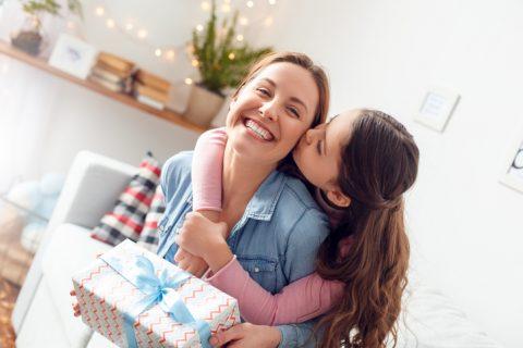10 ideas para sorprender a tu madre por su día