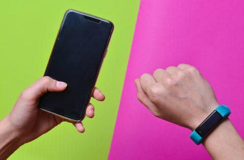 ¿Por qué todo el mundo se está sumando a la moda de la smartband?
